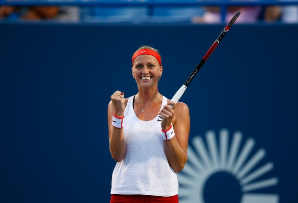 NEW HAVEN, CT: Agnieszka Radwanksa plays Petra Kvitova during the 2015 Connecticut Open at the Yale University Tennis Center on Thursday, August 27, 2015 in New Haven, Connecticut. (Photo by Jared Wickerham/Connecticut Open)